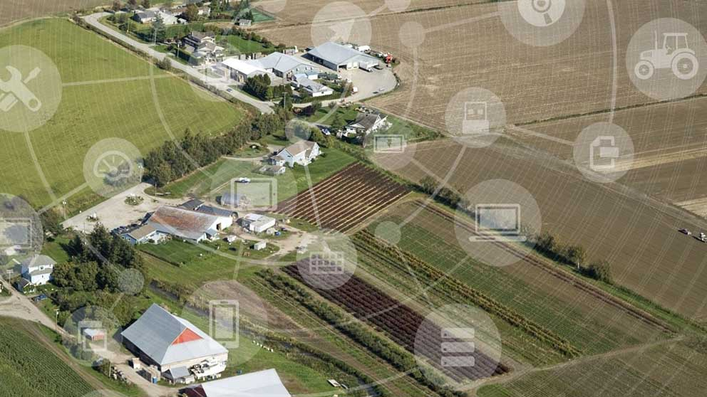 arial-farm-view-graphic-overlay-tech